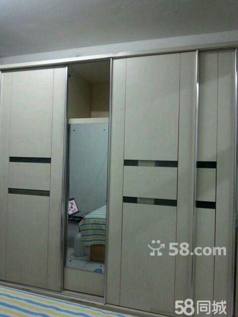 【图】白色带镜子三门推拉式大衣柜