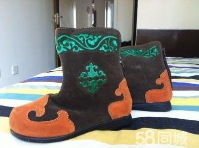 类别:鞋 小类:靴子 幼儿园表演用蒙古靴,28码,单的,国贸买的,全新没