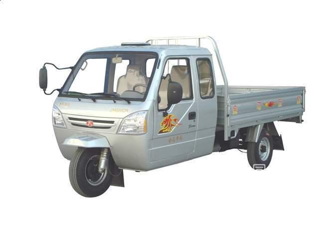 金马王子三轮汽车 带驾驶室的高清图片