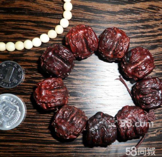 个人收藏 小叶紫檀手工雕刻貔貅招财手串 非洲白塑料yx108颗珠子项链