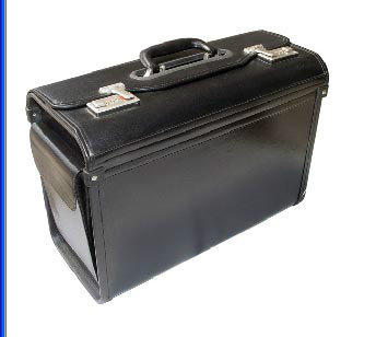 用这个箱子坐飞机,您从进安检到上飞机,下飞机,都会受到不管是空姐