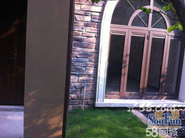 【图】龙湖东桥郡别墅位置中庭景观园区别墅mc5050xx5050双拼现代图片