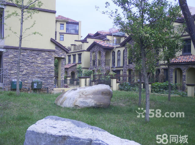 (出售) 温泉山谷k户型好别墅出售,正对人工湖85万