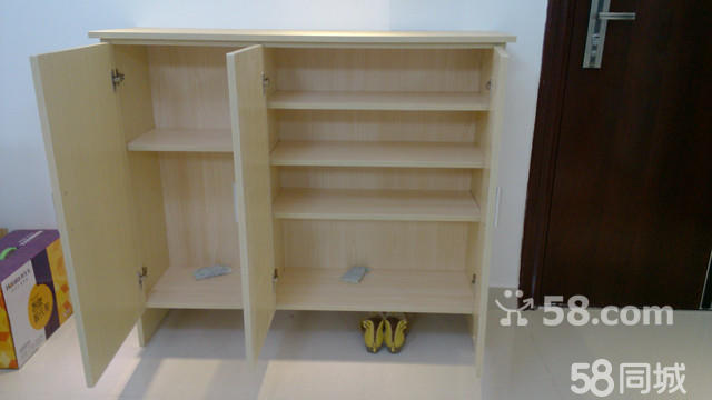 家里新房装修,木工师傅打的鞋柜(原价600元哦),全新的,还没用
