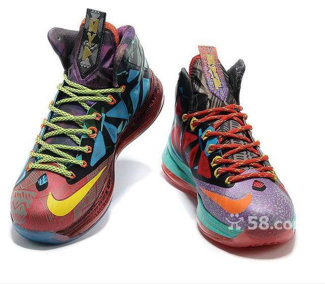 詹姆斯篮球鞋