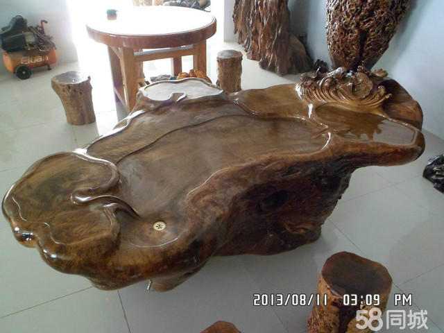 花梨木茶台,楠木根雕茶台,香樟木屏风