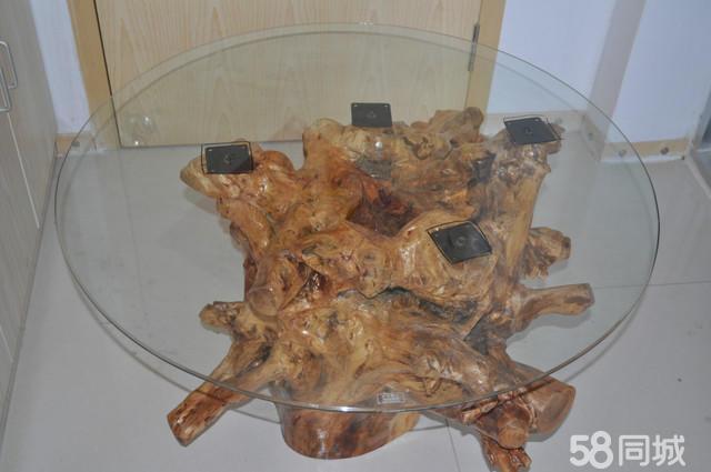 基本状况:茶几 纯手工制作松木根雕 从开挖去泥去皮阴干造型找平打磨
