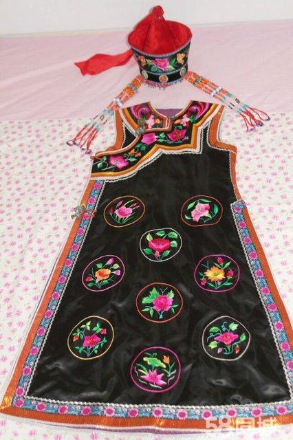全新手工缝制刺绣蒙古族民族服饰