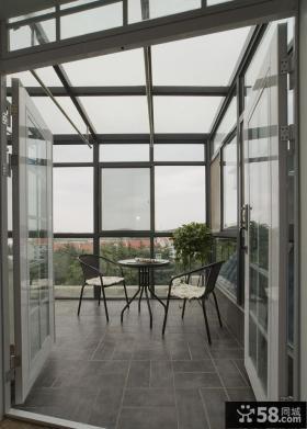 现代风格别墅阳台家居装饰效果图