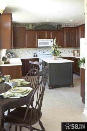 家庭开放式厨房装修设计