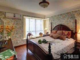 美式田园风格二居卧室转角飘窗设计