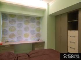 简单室内卧室飘窗