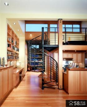 阁楼旋转楼梯装修效果图