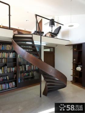 阁楼旋转楼梯设计效果图