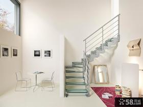 复式客厅楼梯效果图