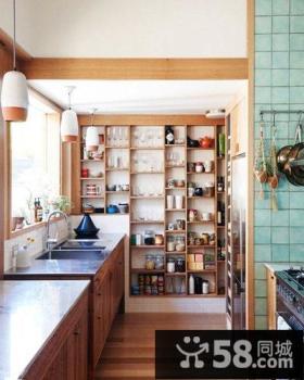 独特原木复式公寓厨房设计