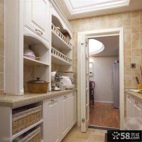 美式小厨房门效果图