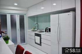 时尚简约风格厨房折叠门效果图
