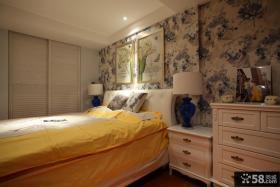 小型卧室壁纸装修效果图
