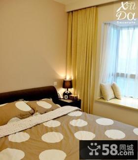 现代简约风格卧室飘窗窗帘装修效果图