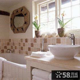 简约淡雅风格卫生间瓷砖铺贴效果图