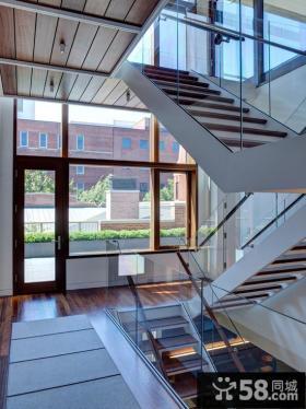 现代别墅楼梯间设计