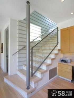 现代别墅室内不锈钢楼梯扶手图片