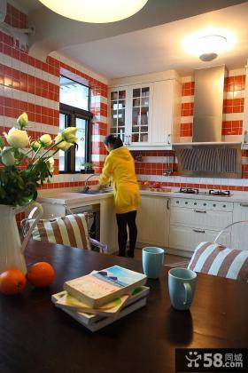 现代简约风格整体厨房装修实景图
