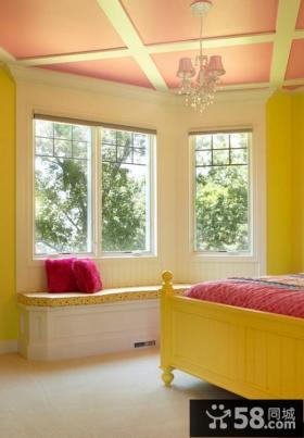 卧室飘窗装修效果图 甜美卧室吊顶装修图片