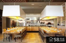 美式风格建筑风格餐厅设计效果图