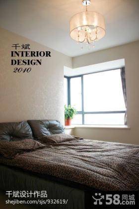 卧室转角飘窗装修效果图