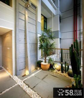 露天阳台大型盆栽植物图片