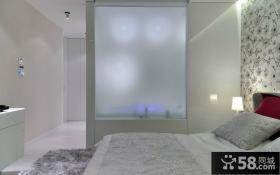 简约风格白色系卧室隔断墙效果图
