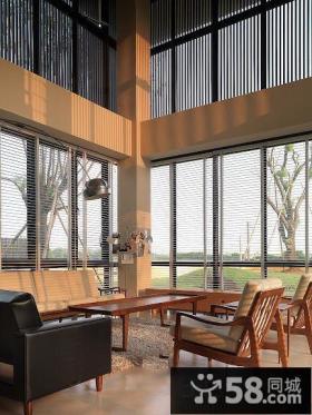 别墅挑高客厅家具摆放效果图片