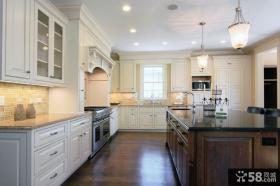 经典美式风格厨房整体橱柜装修效果图