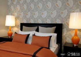 现代风格卧室床头壁纸装修效果图