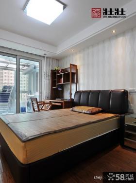 现代家装卧室带阳台装修设计图