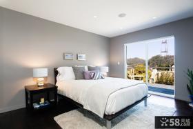 现代主卧室带阳台设计效果图