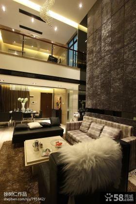 复式楼客厅沙发摆放设计图