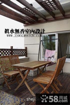 2013复式楼阳台花园木地板装修效果图片