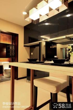 中式厨房餐厅小餐桌设计效果图