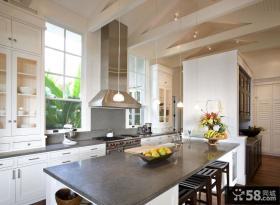 欧式简约开放式厨房装修设计图