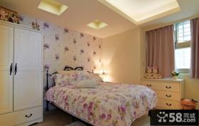卧室装修欧式大花墙纸贴图片