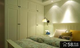 美式家装卧室整体入墙式衣柜图片欣赏