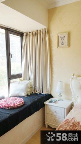 小户型家装卧室飘窗装修效果图