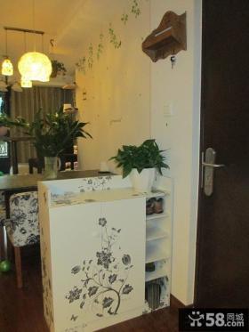家装玄关鞋柜隔断设计