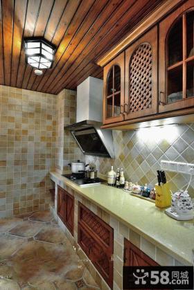 美式风格木制厨房吊顶设计效果图