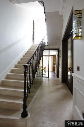 美式复式室内楼梯装修图片