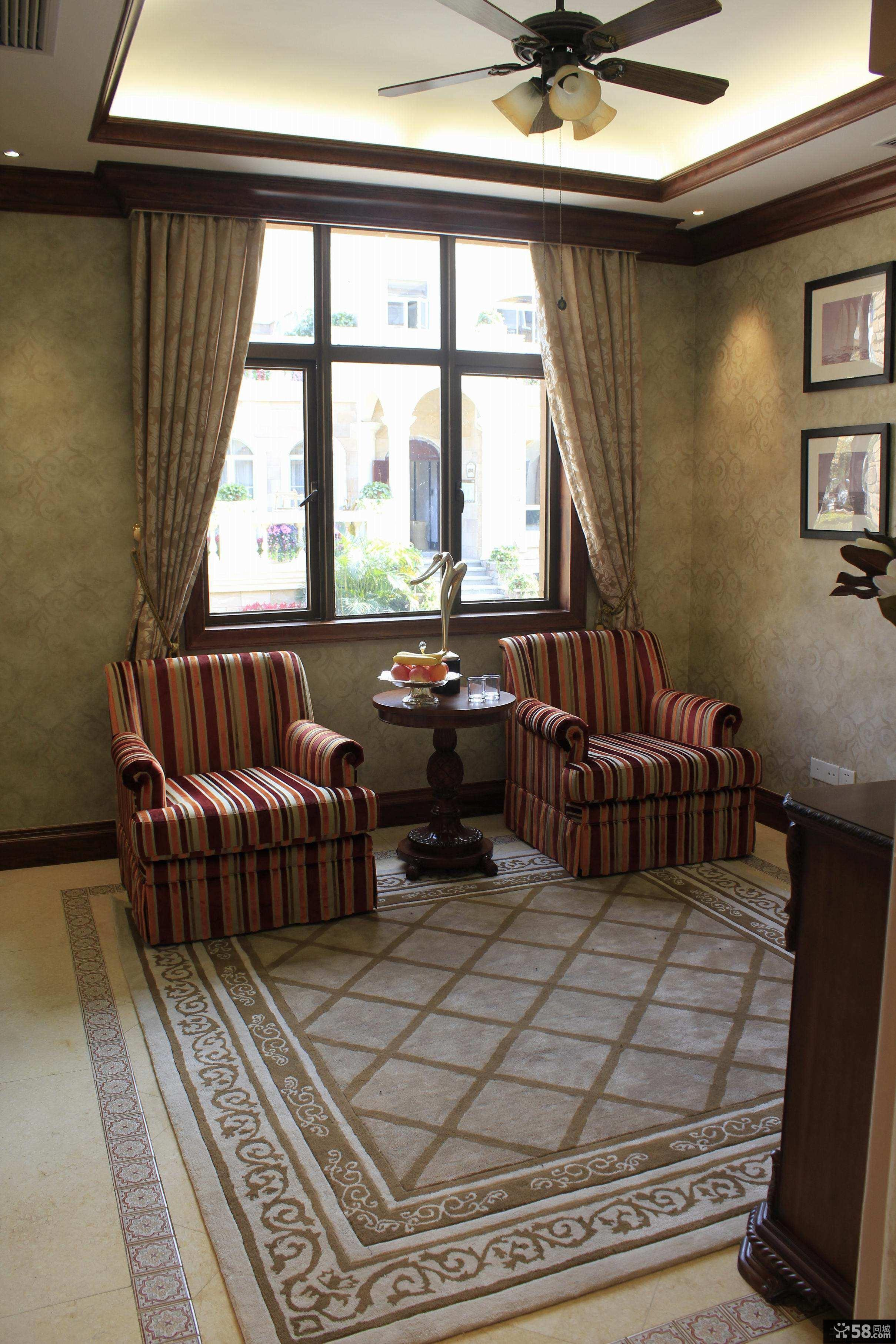 美式别墅室内窗户图片