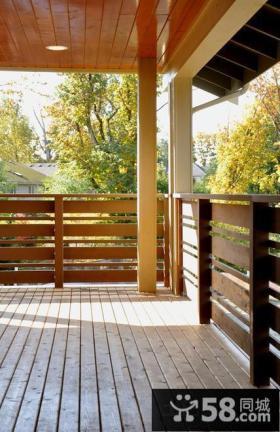 阳台实木护拦装修效果图